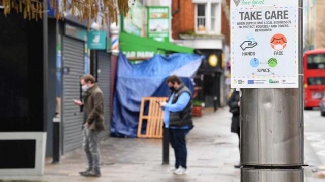 El Reino Unido ofreció dos testeos semanales a los ciudadanos.