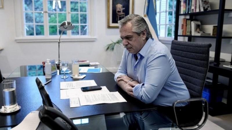 """Fernández analizó en forma virtual con Cafiero y varios ministros la posibilidad de tomar """"medidas focalizadas""""."""