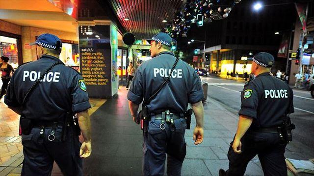 張り込み警察