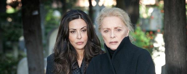 Baciamo le mani, torna in replica il 1° agosto la fiction con Virna Lisi e Sabrina Ferilli