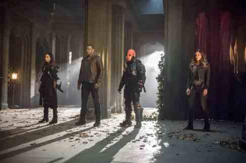 Katrina-Law-David-Ramsey-Manu-Bennett-and-Juliana-Harkavy-in-Arrow-Season-5-Finale