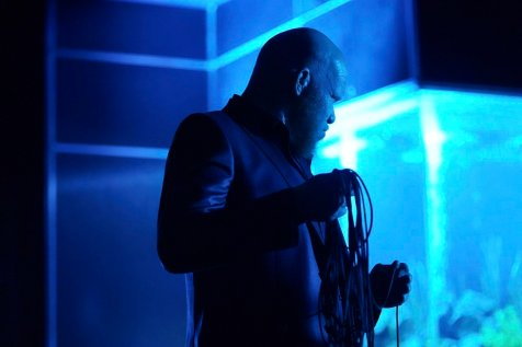 """Black Lightning -- """"The Book Of Consequences: Chapter One: Rise of the Green Light Babies"""" -- Image BLK201d_0212b.jpg -- Pictured: Marvin """"Krondon"""" Jones III as Tobias -- Photo: Quantrell D. Colbert/The CW -- © 2018 The CW Network, LLC. All rights reserved"""