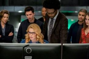 """Arrow: le foto del finale di serie svelano alcuni ritorni e un piccolo """"cross-over"""" 8"""