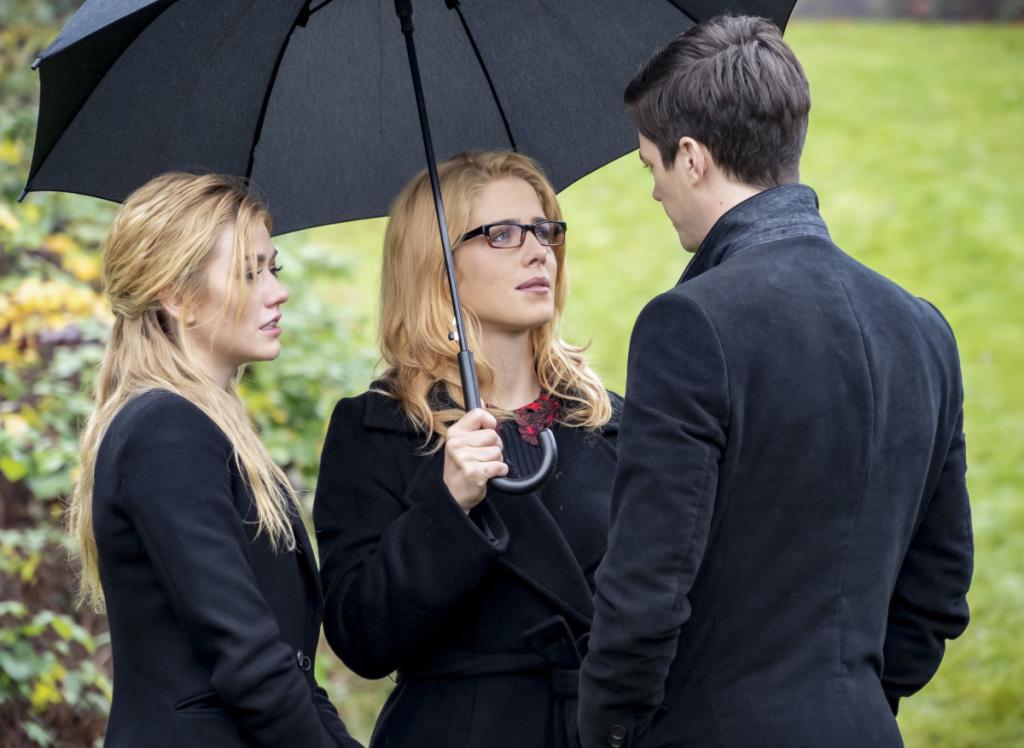 """Arrow: le foto del finale di serie svelano alcuni ritorni e un piccolo """"cross-over"""""""