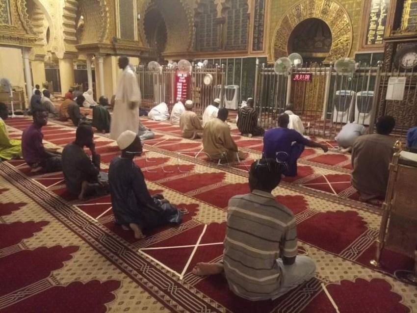 Photos : Touba, Les fidèles continuent de prier mais les consignes sont clairs et précis
