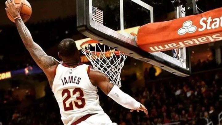 NBA: vincono Detroit e Toronto, show di LeBron James