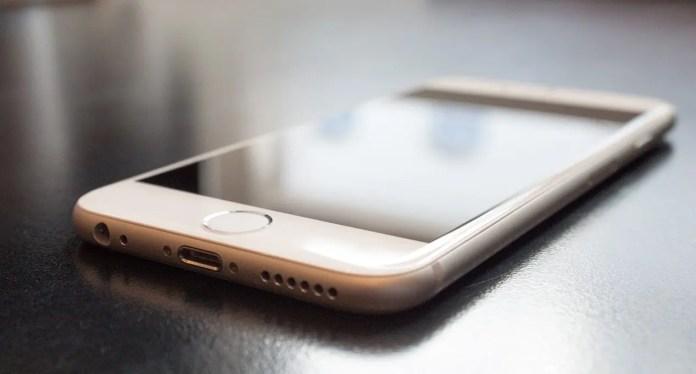 iPhone, svelato il possibile aspetto del nuovo modello economico