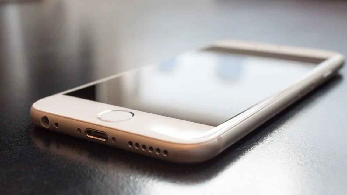 iPhone, batterie più capienti e addio al Touch ID