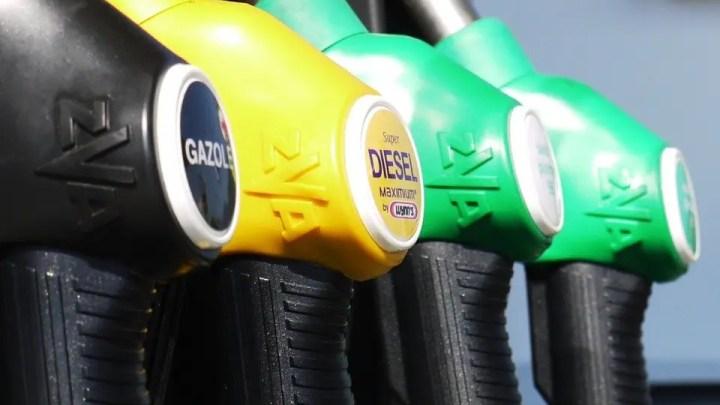 Benzina, prezzi alle stelle. In autostrada più di 2 euro/litro