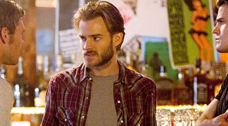 David Gallagher in una scena di The Vampire Diaries, terza stagione