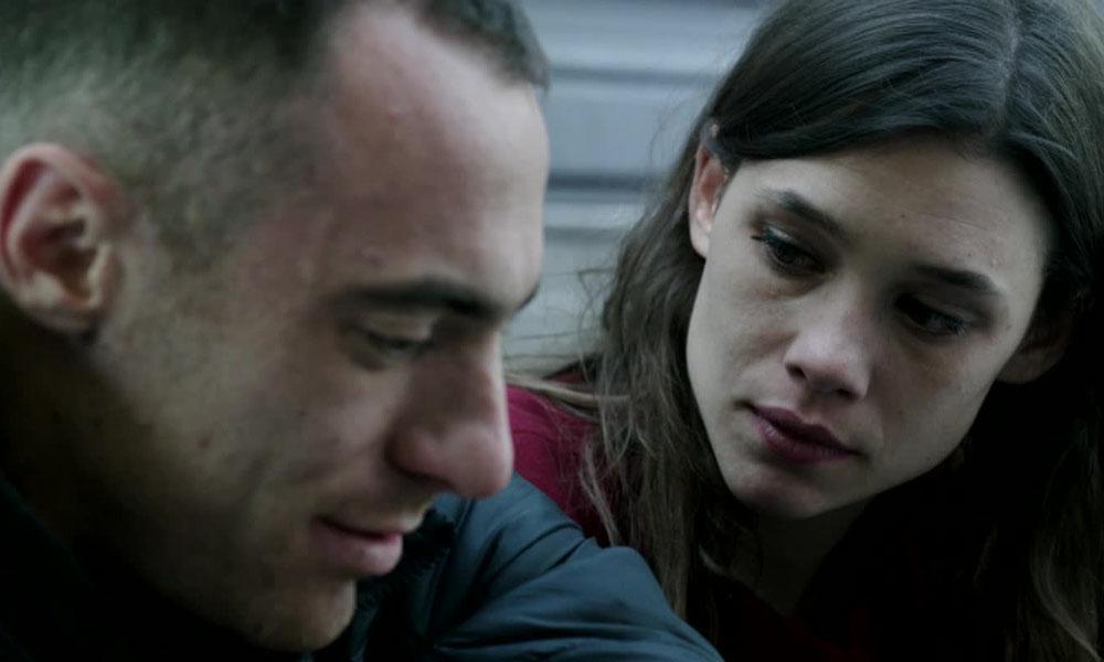 Alaska: la recensione del film di Claudio Cupellini con Elio Germano