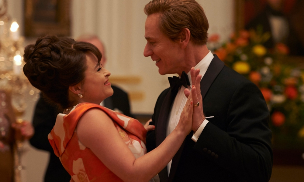 Ben Daniels e Helena Bonham Carter in The Crown 3