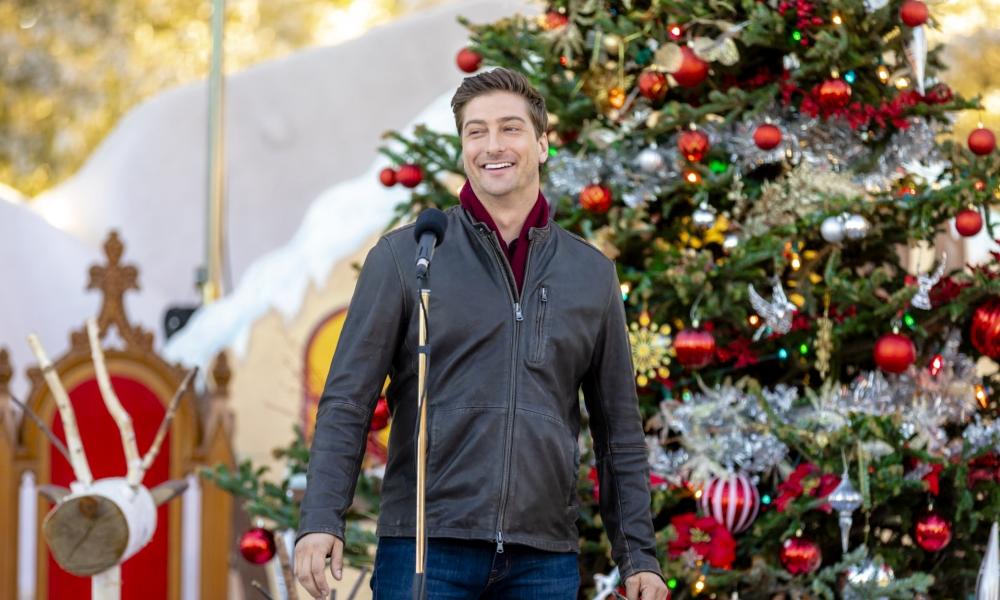 Daniel Lissing in Christmas in love