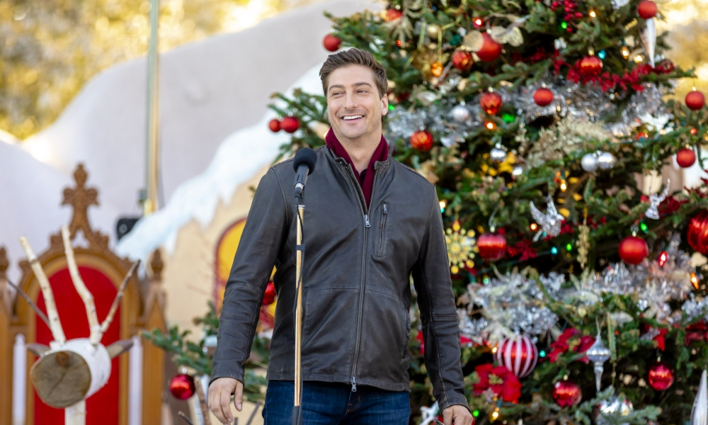 Daniel Lissing in Christmas in love