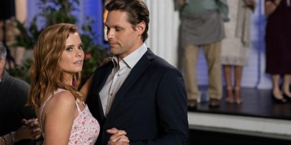 Joanna Garcia e Justin Bruening in Sweet Magnolias
