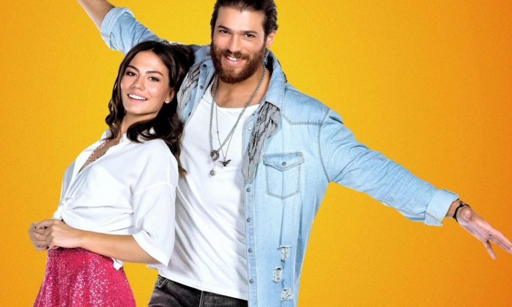 Can Yaman e Demet Ozdemir in Daydreamer