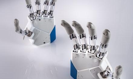 Protesi robotiche per gli arti superiori: sensazioni tattili e movimenti più naturali migliorano la vita quotidiana