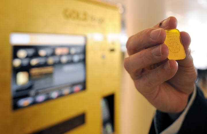 Gold from a vending machine? Yes, really