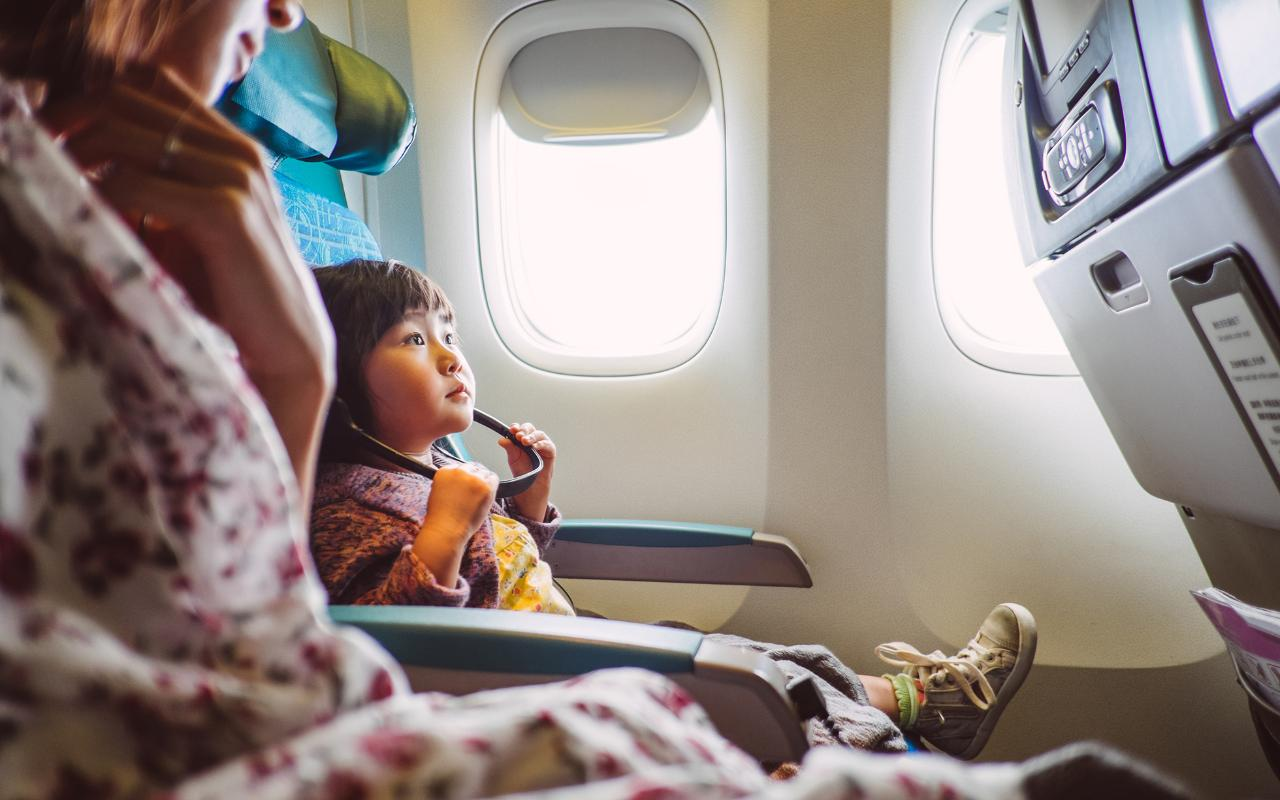 It S Safer So Why Don T Plane Seats Face Backwards