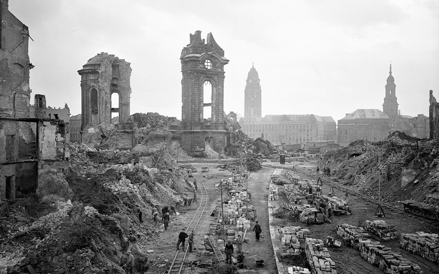 Landmarks destroyed by Second World War bombs - and resurrected - image 01 of 20