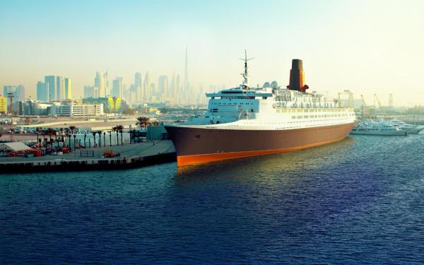 QE2 ocean liner brought back from the brink for new life ...
