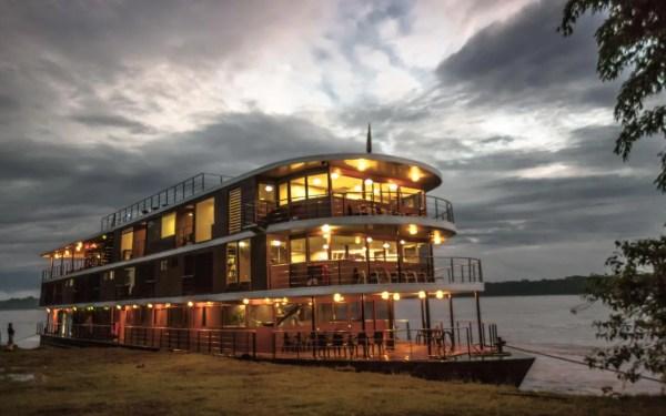 Anakonda Amazon river cruise: Afloat in the rainforest ...