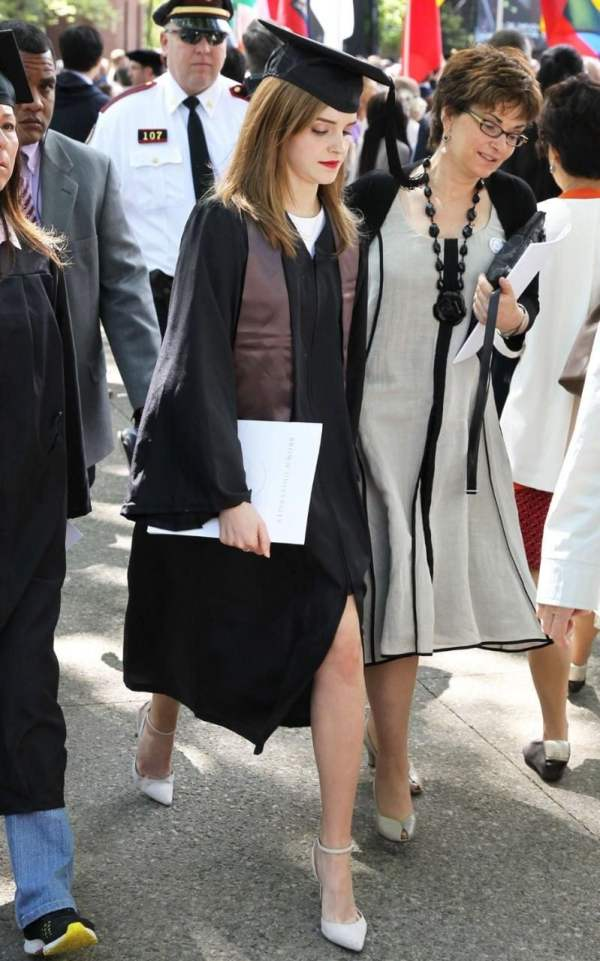 How to dress for your graduation