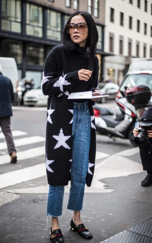 Stars on a long cardi is a key ingredient for stellar street style