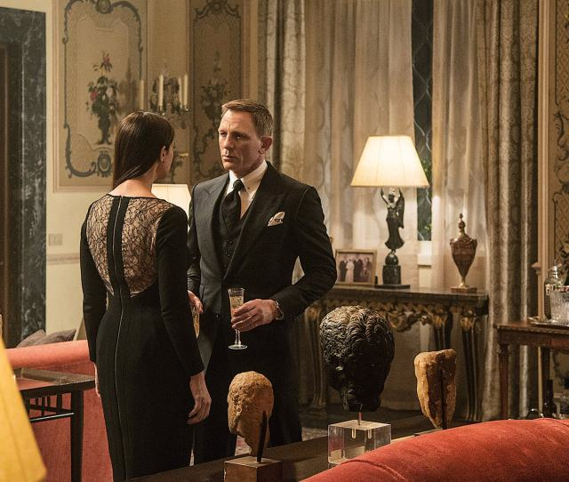 Bond Meets His Oldest Ever Love Interest In Belluccis Character Lucia Sciarra