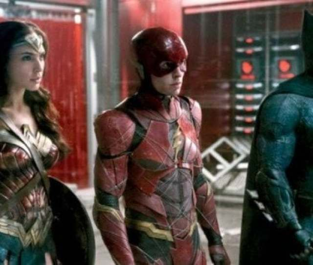 Gal Gadot Ezra Miller And Ben Affleck In The New Justice League Trailer
