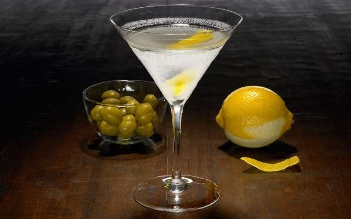 https://i1.wp.com/www.telegraph.co.uk/content/dam/food-and-drink/2016/05/06/classic-martini-FOOD-DRINK-large_trans++2oUEflmHZZHjcYuvN_Gr-bVmXC2g6irFbtWDjolSHWg.jpg