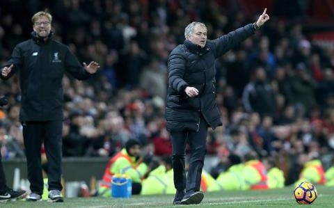 Klopp - Jurgen Klopp and Jose Mourinho in touchline spat as Liverpool manager questions Manchester United's hospitality