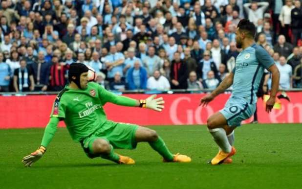 Sergio Aguero scores against Arsenal Petr Cech