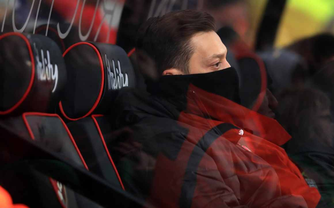 Mesut Ozil left on bench because of 'physicality and intensity' of  Bournemouth clash, says Unai Emery
