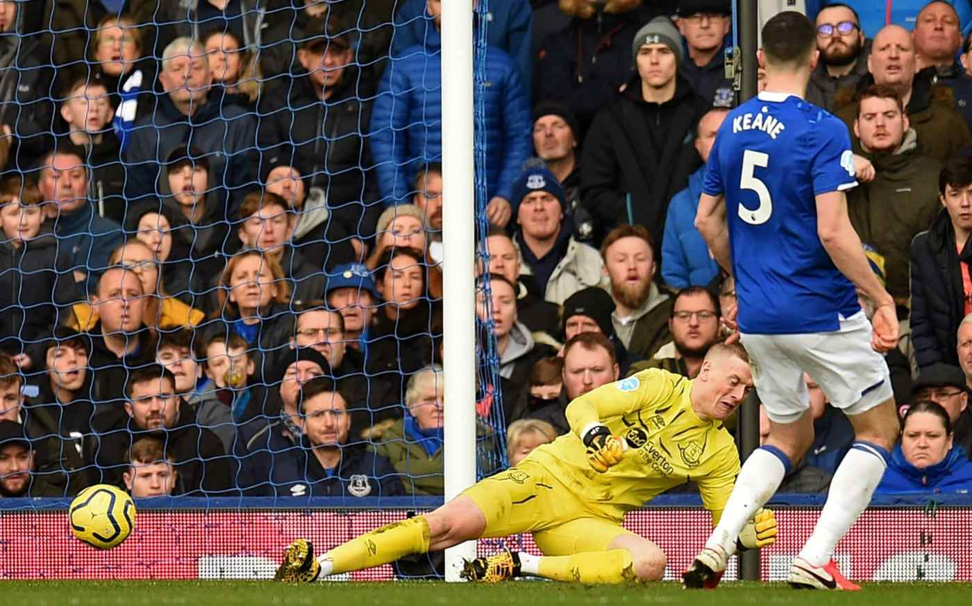 Pickford concedes an equaliser against Crystal Palace