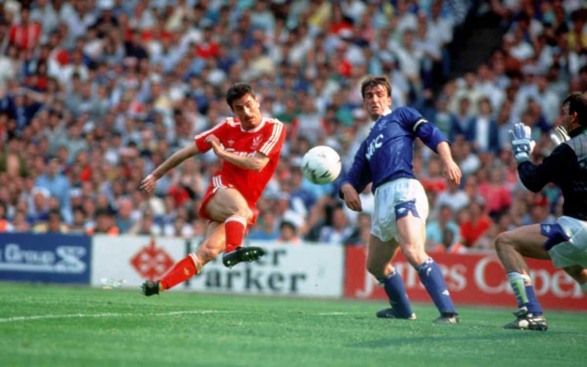 Ian Rush scores for Liverpool against Everton in the 1989 FA Cup Final
