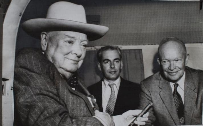 Anthony Montague-Browne with Winston Churchill and Dwight Eisenhower in a helicopter on the White House lawn in 1959
