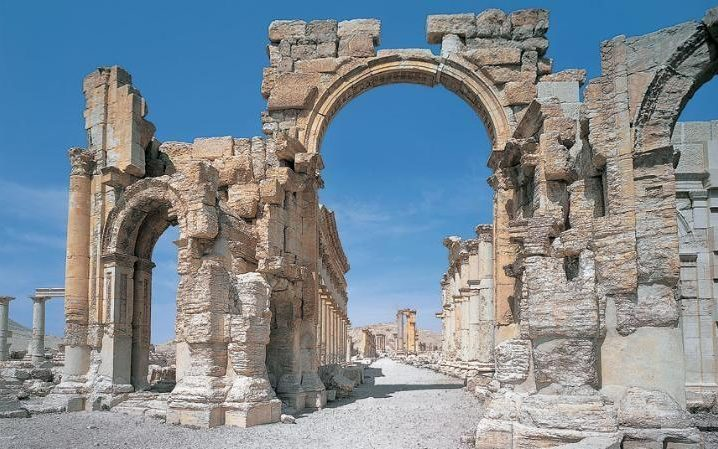 The real Arch of Triumph before it was destroyed in a blast