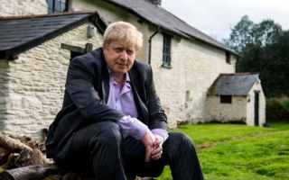 Boris Johnson on his family farm in the Exmoor National Park in Devon  Kerry and Obama: Get Ready for a Borderless World 97718440 Boris3 large trans  eo i u9APj8RuoebjoAHt0k9u7HhRJvuo ZLenGRumA