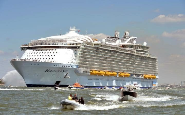 The Harmony of the Seas leaves the Saint-Nazaire shipyard