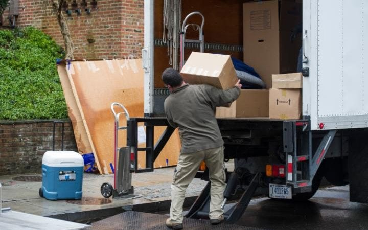 Movers at the property in Kalorama
