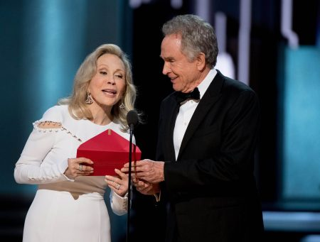 Image result for beatty and dunaway at 2017 oscars