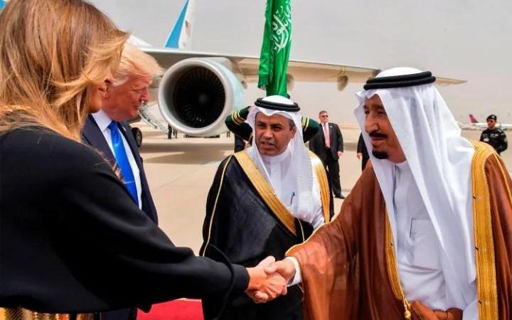 Hasil gambar untuk trump arrives in Saudi