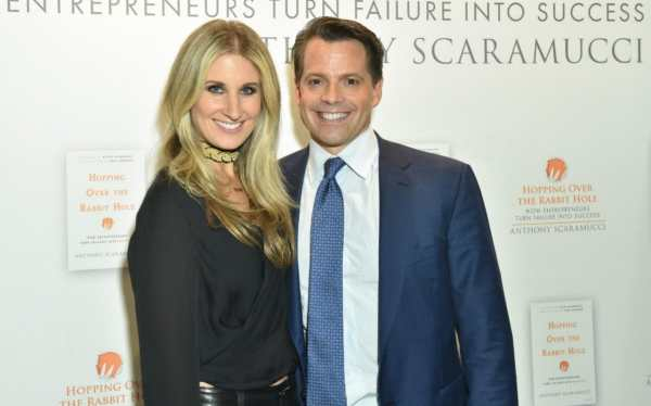 Anthony Scaramucci congratulated his estranged wife on the ...