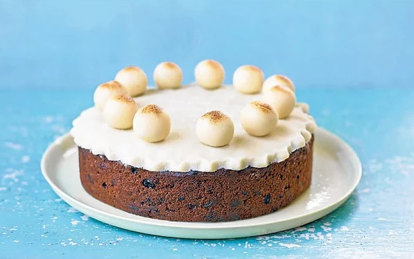 Paul Hollywood's simnel cake