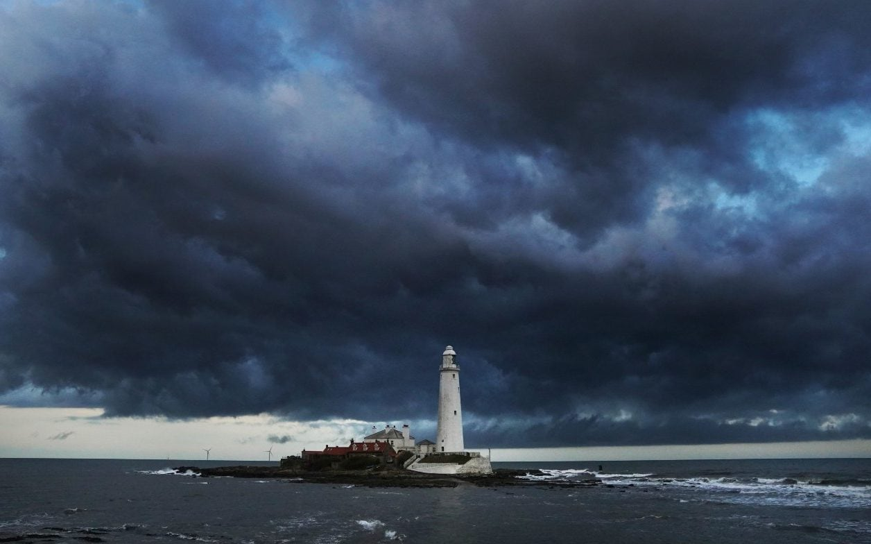 Uk Weather Storm Hannah Leaves Thousands Without Power