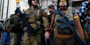 US gun-rights activists descend on Virginia in unprecedented show of force