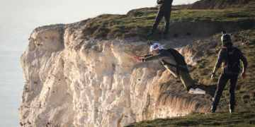 """Beachy Head Base jumpers  criticised for """"distressing walkers"""