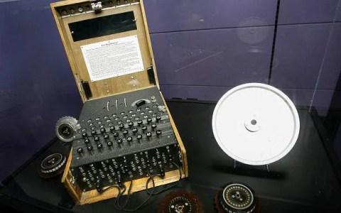 Una máquina Enigma de 1935, utilizada por los alemanes para cifrar mensajes durante la Segunda Guerra Mundial