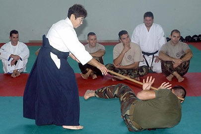 Keiko Wakabayshi training the soldiers of the Folgore brigade, at the Livorno barracks